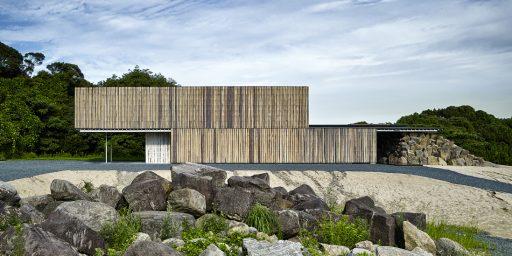 Rock House RH01 (© by 白浜誠建築設計事務所)